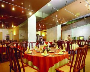 哈尔滨高价回收整个饭店、饭店设备、后厨设备、二手空调、中央空调、暖气片